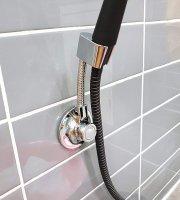 Prémiový vákuový držiak sprchovej hlavice